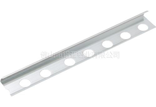 铝型材地角线